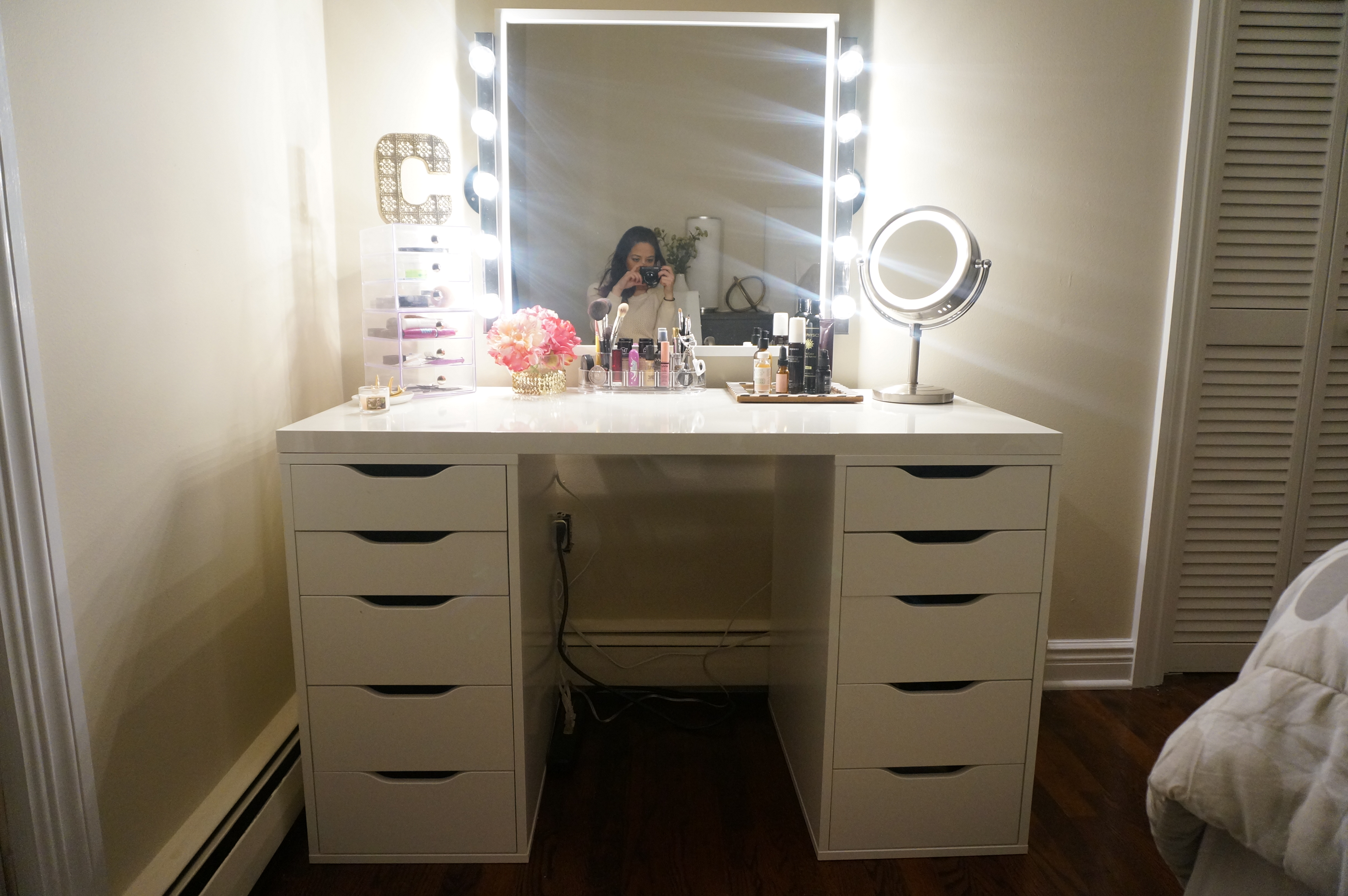 diy makeup vanity made2style. Black Bedroom Furniture Sets. Home Design Ideas
