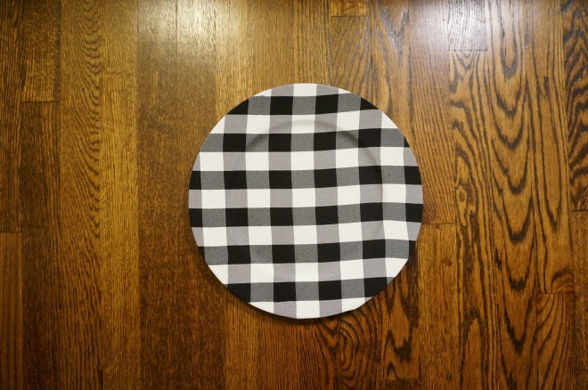 Buffalo Plaid Charger + Tablescape